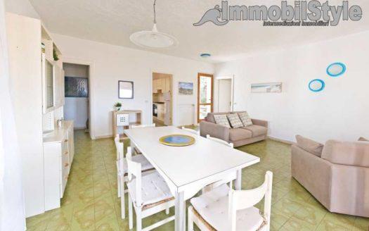 Baia 33: Bellissima villa fronte mare a Baia Santa Reparata ...
